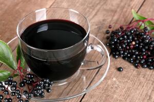 Syrop z czarnego bzu - o jego właściwościach leczniczych i zastosowaniu