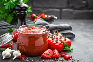 pomysl-na-obiad-z-sosem-pomidorowym