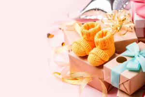 prezent-z-okazji-narodzin-dziecka-dla-wspolpracownika