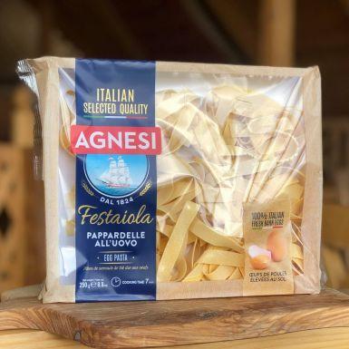 Pappardelle jajeczne włoskiej firmy Agnesi pakowane jest na tekturową tackę
