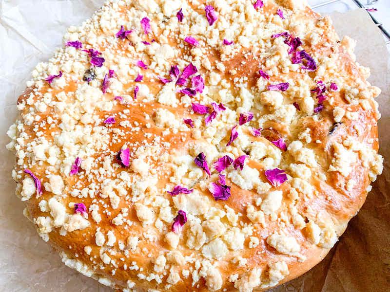 ciasto-drozdzowe-z-roza