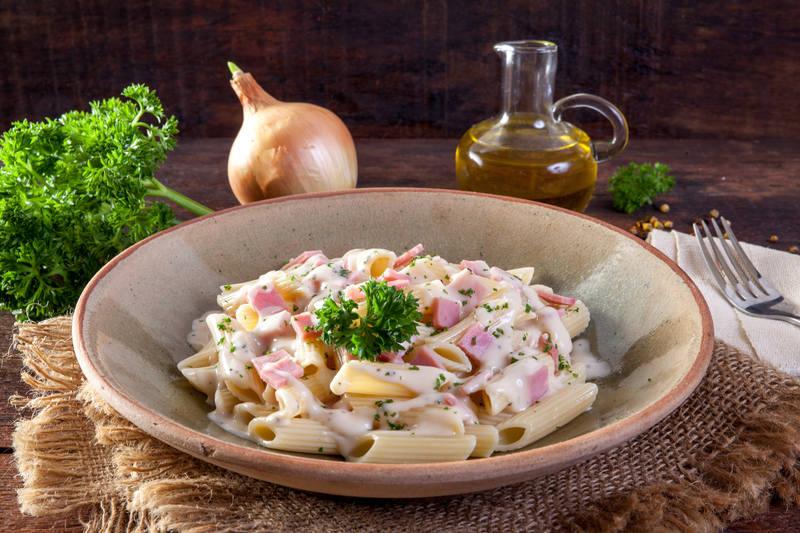 obiad-z-szunka-makaron
