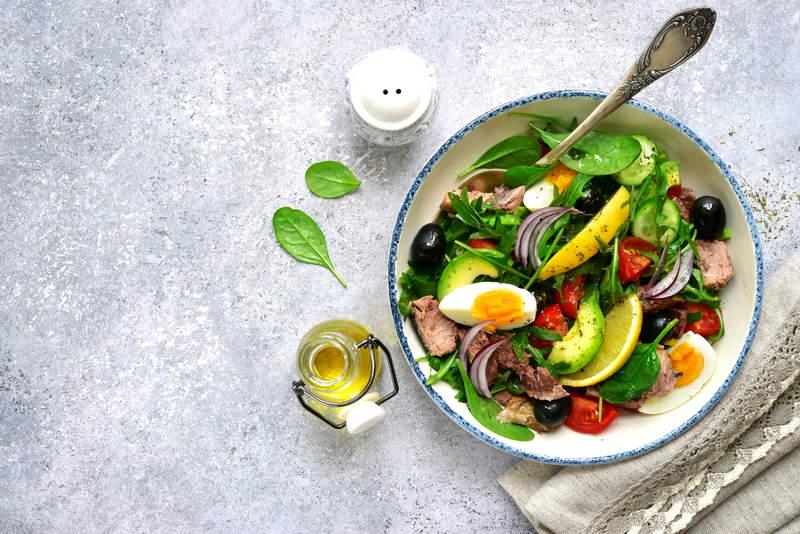 olej-rzepakowy-do-salatki