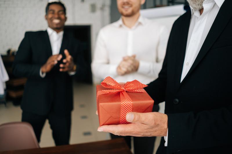 prezent na 60 urodziny dla szefa
