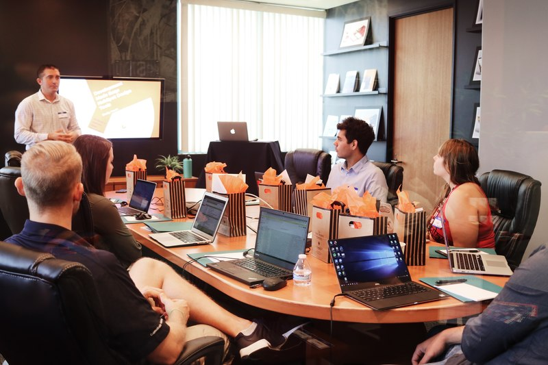 spotkanie-w-biurze